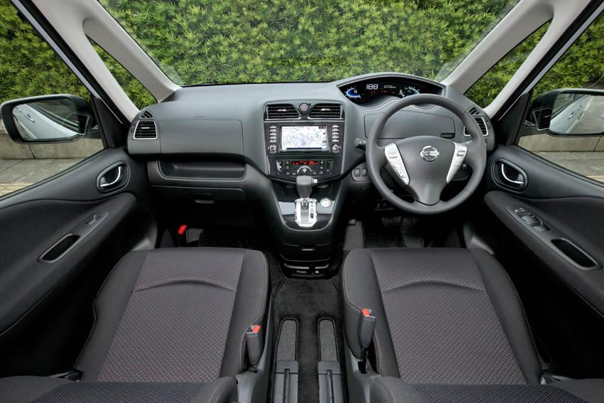 Nissan Serena S-Hybrid van