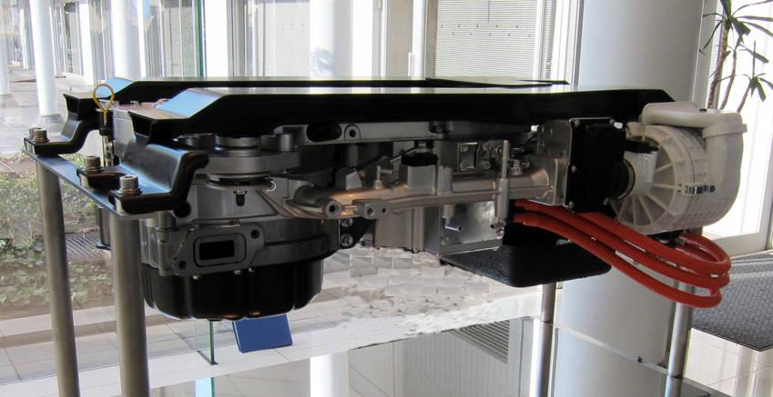 ロータリーエンジンを使ったマツダのレンジエクステンダー心臓部