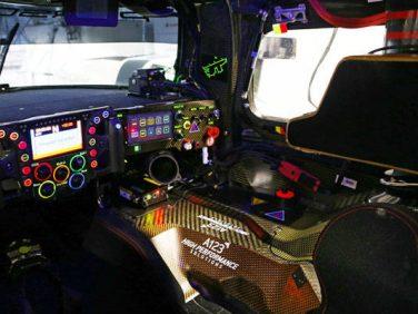 ポルシェ 919ハイブリッド ステアリング