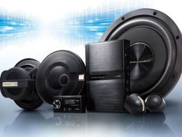 クラリオン クワッドビュー・ナビ、フルデジタルサウンドシステムが体験できる