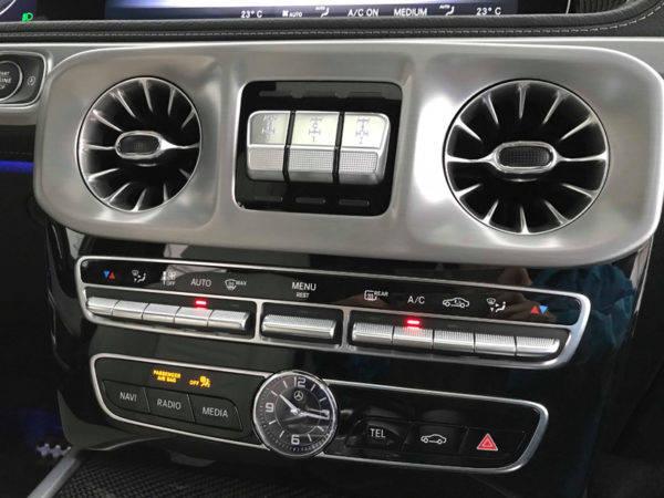 新型 メルセデス・ベンツ Gクラス 試乗記 AWDスイッチ