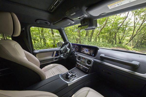 新型 メルセデス・ベンツ Gクラス 試乗記 運転席