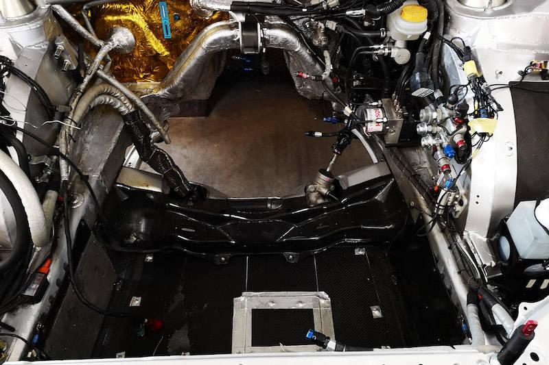 この時はエンジンは搭載されておらず、ドンガラの状態