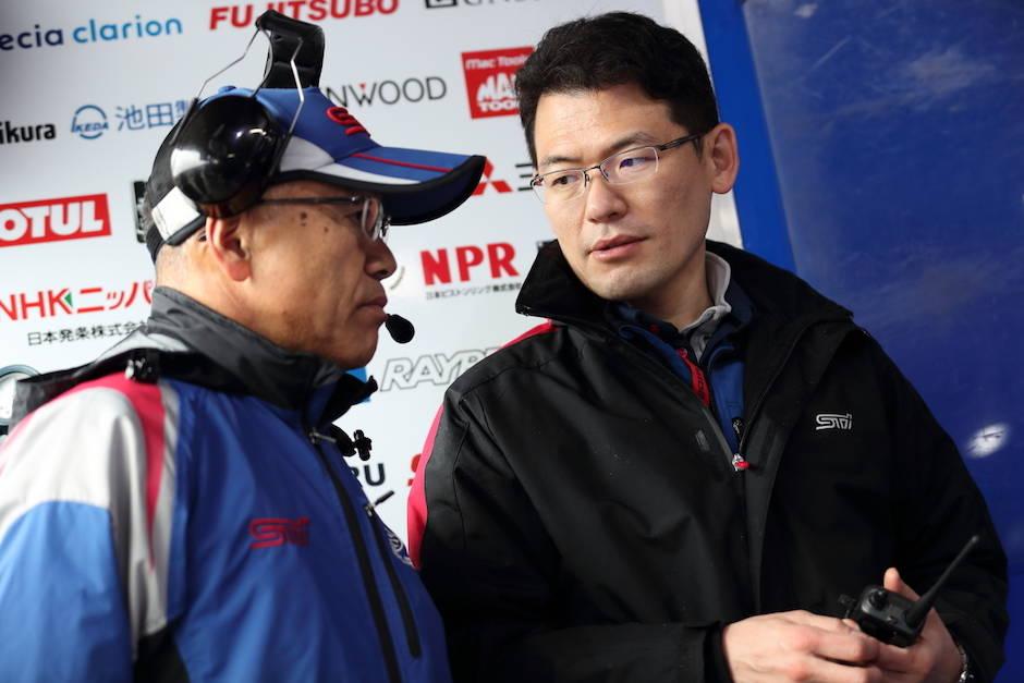右)土岐エンジン担当エンジニアと渋谷総監督