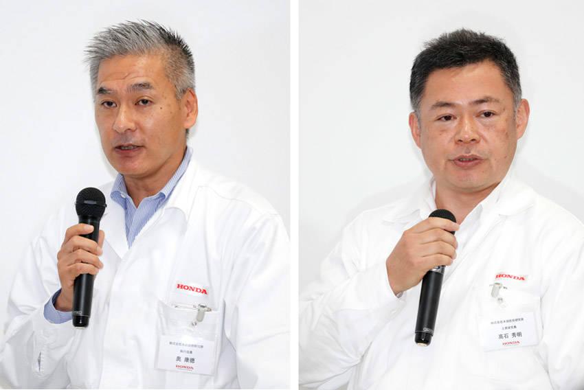 プレゼンテーションを行なったホンダ技術研究所・奥康徳執行役員(左)と髙石秀明上席研究員