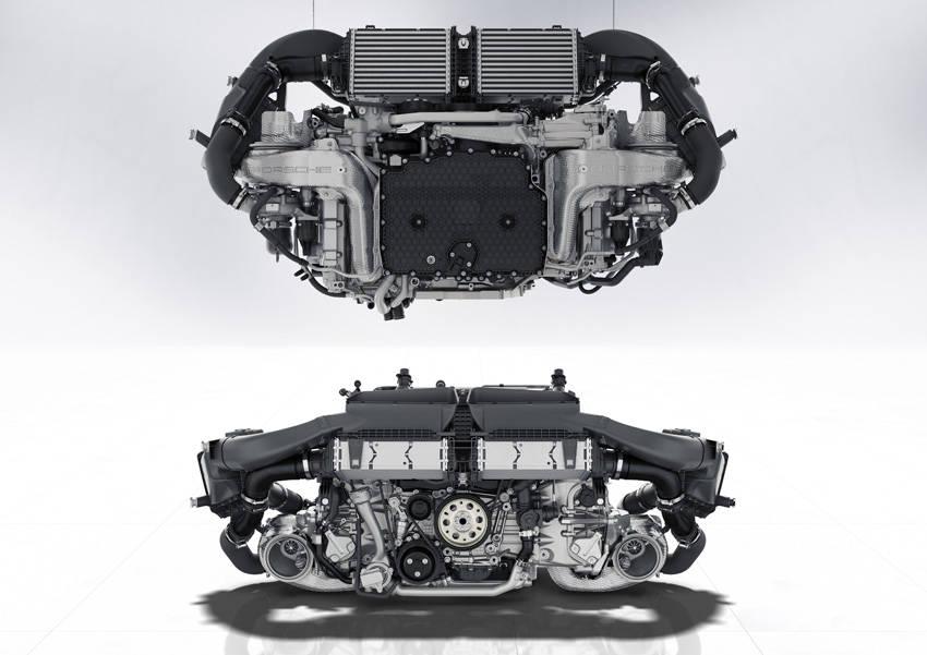 エンジンの上面視(上)と後面視。スポーツカー用に低重心化した水平対向エンジンのパッケージングがわかる