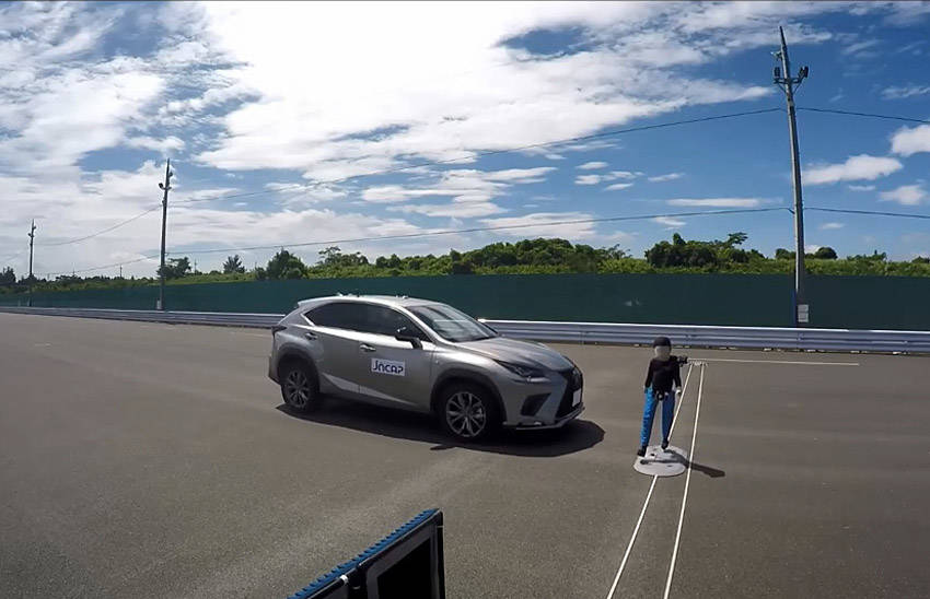 高齢ドライバー対策で2021年秋から世界初となる自動ブレーキを義務化