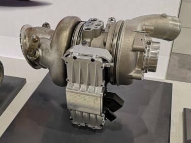 ボルグワーナー 画期的な機電一体のF-1式過給システム「eターボ」を受注