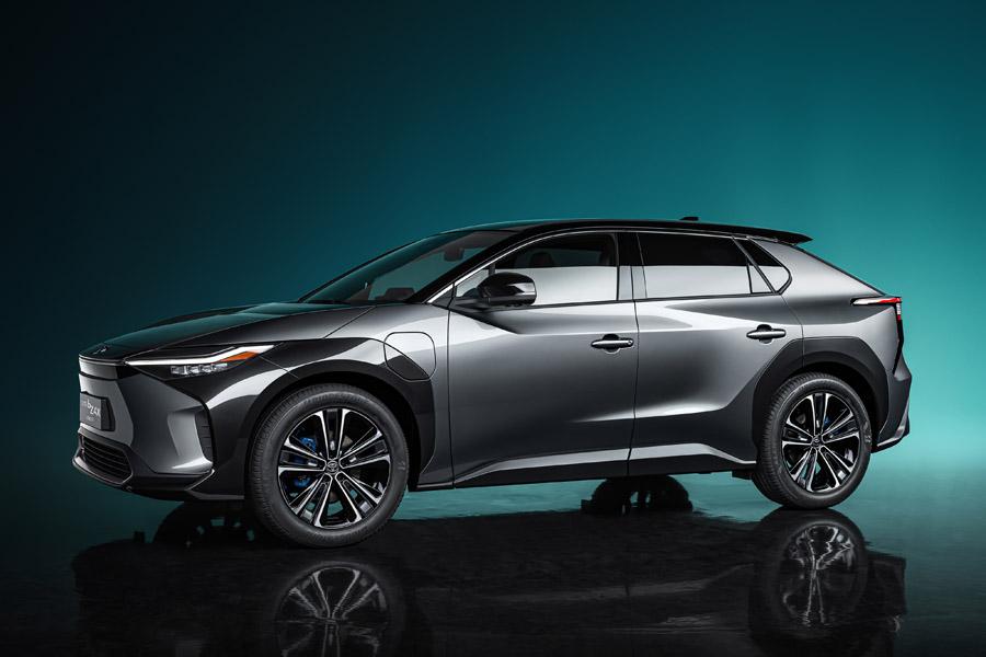 トヨタ 今後10年間でアメリカでの車載用電池生産に3800億円を投資