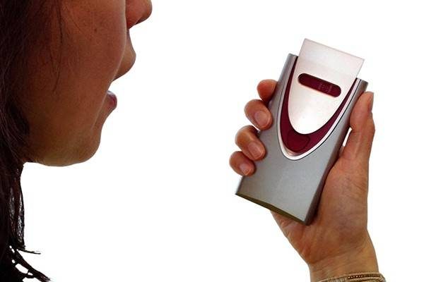 ポータブル呼気アルコール検知器1