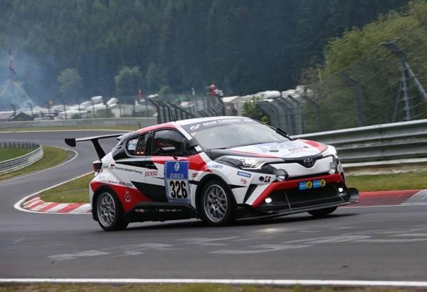 SP2Tクラス3位となったTOYOTA C-HR Racing