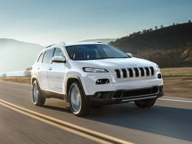 ジープ、デイタイム・ライトなど充実装備が魅力の限定車「Cherokee Limited Special」を発売