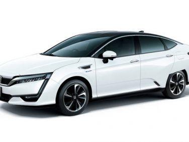 Honda 燃料電池自動車「クラリティ フューエル セル」のタクシー運用を開始