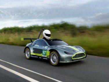 アストンマーティン・レーシング V8 Vantage GTEのミニチュア・バージョンを製作