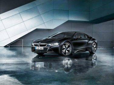 BMW i8 Protnic Frozen BlackとファッションブランドANREALAGEのコラボ特別展を開催