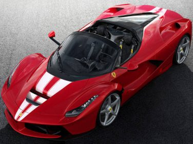 フェラーリ 特別な「ラ フェラーリ アペルタ」をオークションに出品