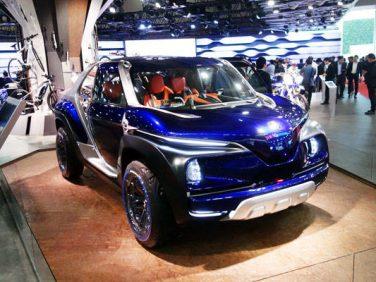 【東京モーターショー2017】ヤマハ SUV「クロスハブ・コンセプト」 バイクのような四輪車「MWC-4」